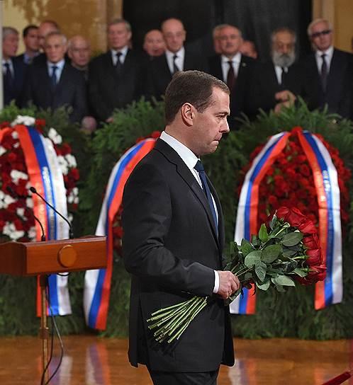 Премьер Дмитрий Медведев