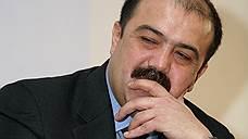 Искандар Махмудов взялся за «Калашникова»