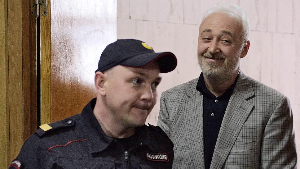 Леонид Меламед получил «золотой парашют»