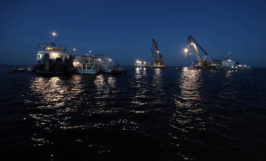 22 июля 2011 года операция по подъему теплохода «Булгария» перешла в активную фазу. Корпус судна был частично поднят над уровнем воды, после чего «Булгарию» было решено отбуксировать на мель в Кирельский затон. Также было обнаружено еще восемь тел тех, кто ранее считался пропавшими без вести