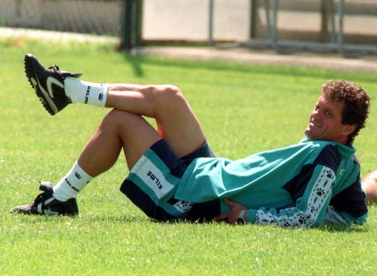 В июле 1996 года Фабио Капелло начал работу в мадридском «Реале» и выиграл с ним чемпионат Испании. Спустя год покинул клуб из-за разногласий с президентом Лоренсо Сансом. В июле 1997 года вновь возглавил итальянский «Милан», проведя неудачный сезон — клуб занял лишь 10 место в чемпионате страны