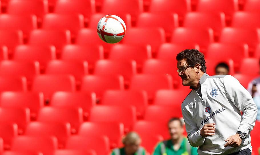 В конце 2007 года официально был назначен на пост тренера сборной Англии по футболу, став вторым в истории иностранным наставником этой команды после шведа Свена Ёрана-Эрикссона. Под его руководством сборная прошла на чемпионат мира 2010 года, заняв первое место в группе. Участие в турнире завершилось на стадии 1/8 финала. В феврале 2012 года Капелло покинул пост из-за несогласия с решением Футбольной ассоциации Англии лишить капитанской повязки защитника Джона Терри