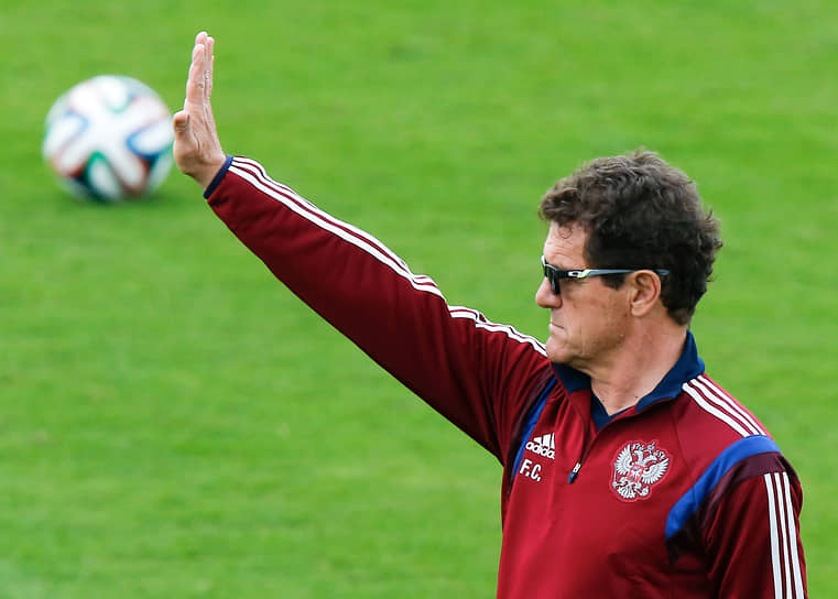 В 2015 году на фоне неудач сборной в отборочных матчах чемпионата Европы Капелло покинул пост тренера по соглашению сторон, получив рекордную неустойку в размере 930 млн руб.