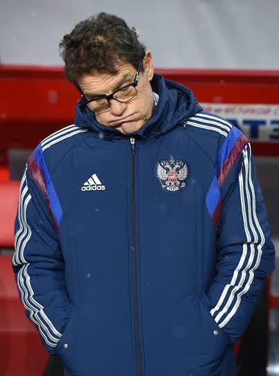 В июле 2012 года приступил к работе в сборной России. Под его руководством команда впервые за 12 лет пробилась в финальную часть чемпионатов мира, однако покинула турнир 2014 года, не сумев выйти в play-off. Отдельную известность получила рекордная зарплата тренера (около £6,7 млн в год), которую Российский футбольный союз неоднократно задерживал