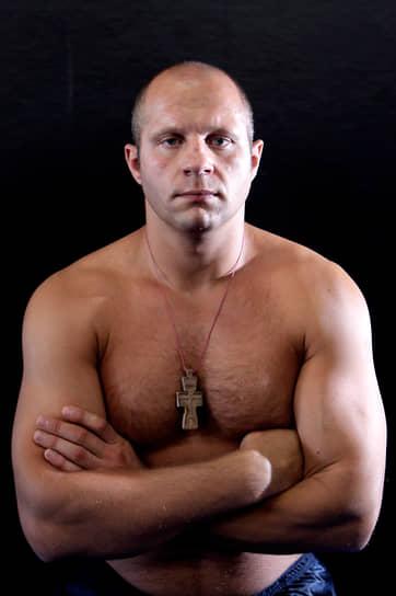 Федор Емельяненко имеет самую продолжительную серию среди всех действующих бойцов ММА — 10 лет без поражений, прервавшуюся в конце 2000-х