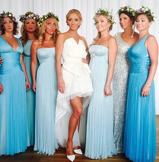 Невеста с подругами в оттенках лазури