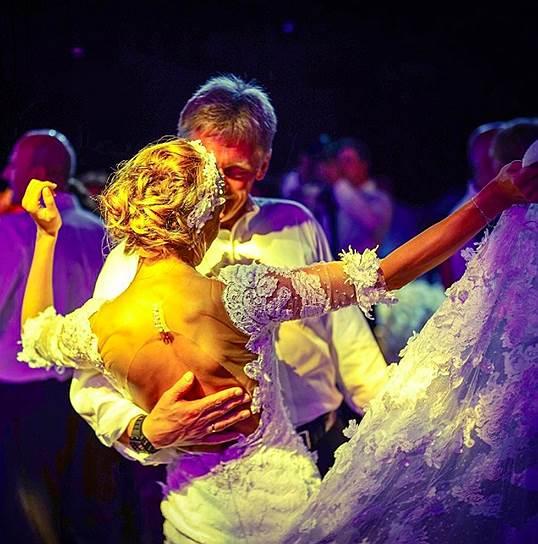 Также Татьяна Навка исполнила танец с Дмитрием Песковым
