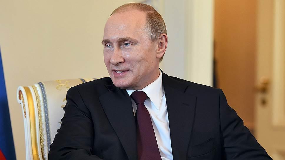 Владимир Путин взялся за полезных общественников