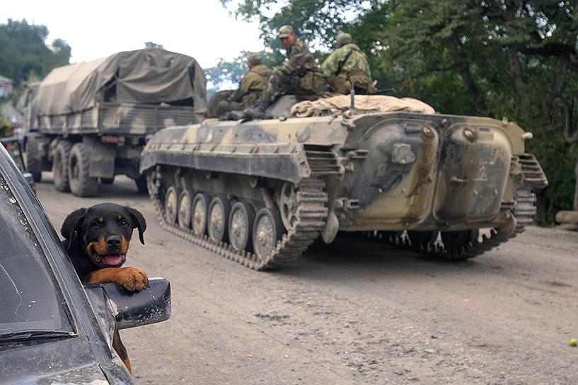 Военная техника 58-й армии России в селе Джава Южной Осетии