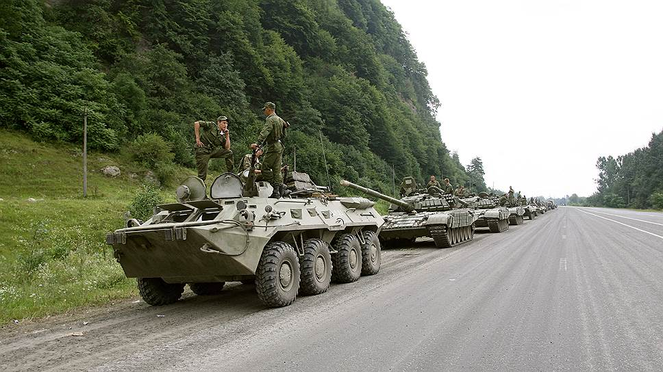 Колонна военной техники армии России