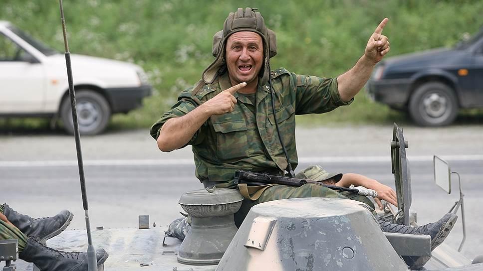 Военнослужащий на танке