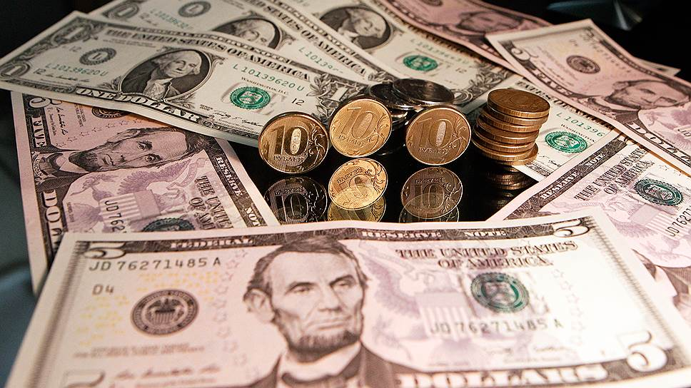 Доллар превысил 71руб./$, евро преодолел 83 руб./€