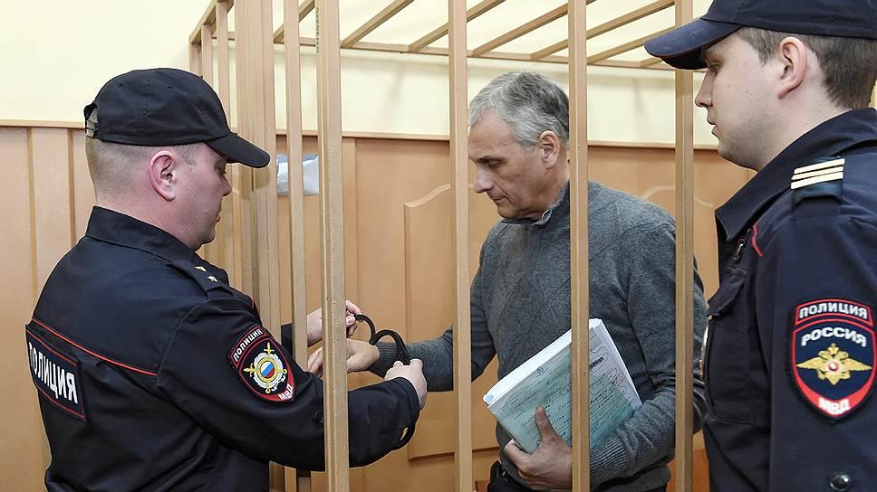 Разоблачителя сахалинского губернатора будут судить за неуплату налогов