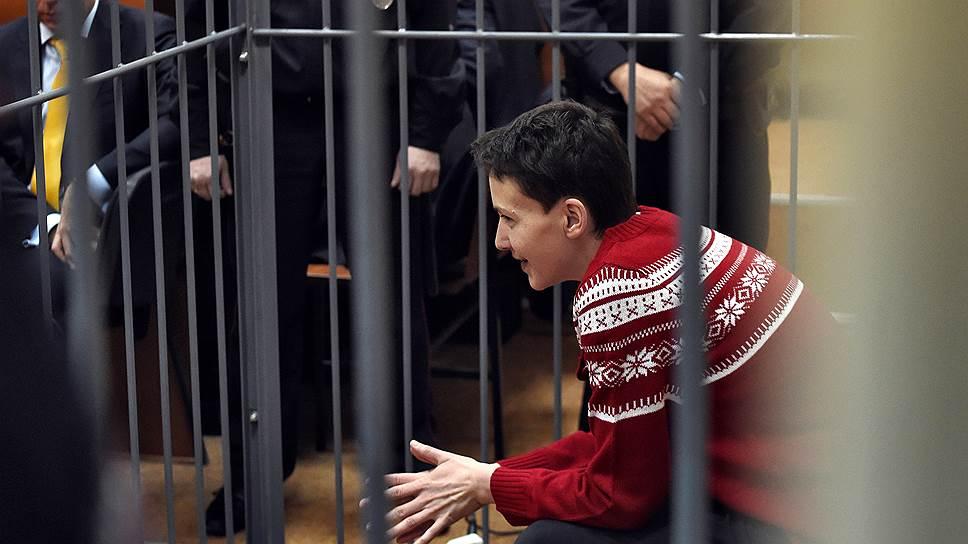 Надежду Савченко окончательно оставили в Донецке