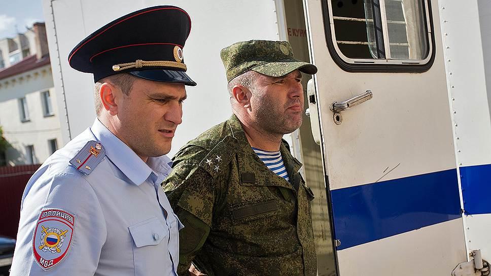 Почему начальник 242-го омского учебного центра ВДВ Олег Пономарев был освобожден из-под домашнего ареста