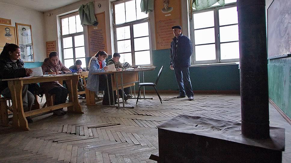 Почему в Забайкалье арестовали счета школ