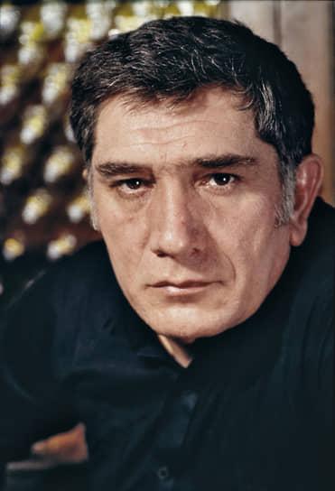 «В искусстве не должно быть снисхождения, не можешь — уходи» <br> В 1991-1996 годах Армен Джигарханян преподавал на актерском факультете во ВГИКе