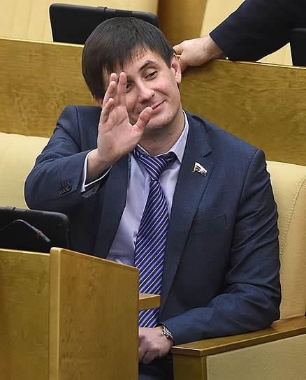 Вадим Деньгин не видит необходимости накладывать на СМИ такие же ограничения, как на НКО—иностранных агентов