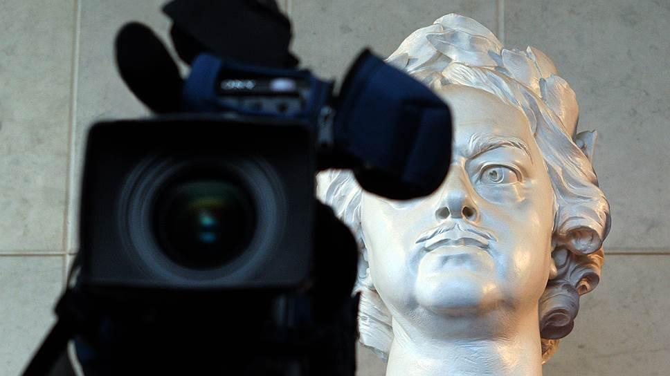 За неоднократное нарушение новых правил отчетности об иностранном финансировании СМИ можно будет закрывать по решению суда