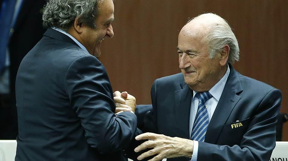 Президенты FIFA и UEFA Зепп Блаттер (справа) и Мишель Платини могут получить шанс отдохнуть от футбола
