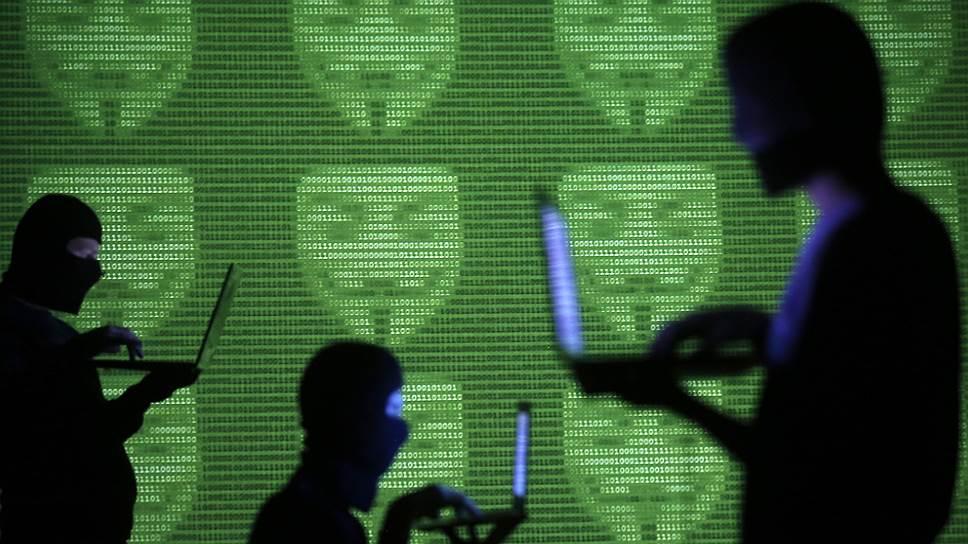 Новая доктрина выявляет для информационной безопасности России множество отнюдь не анонимных, а конкретных угроз — в основном из-за рубежа