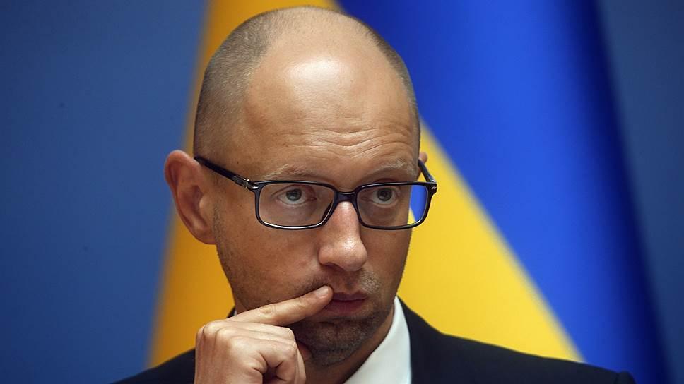 Арсений Яценюк назвал условия для проведения выборов в Донбассе