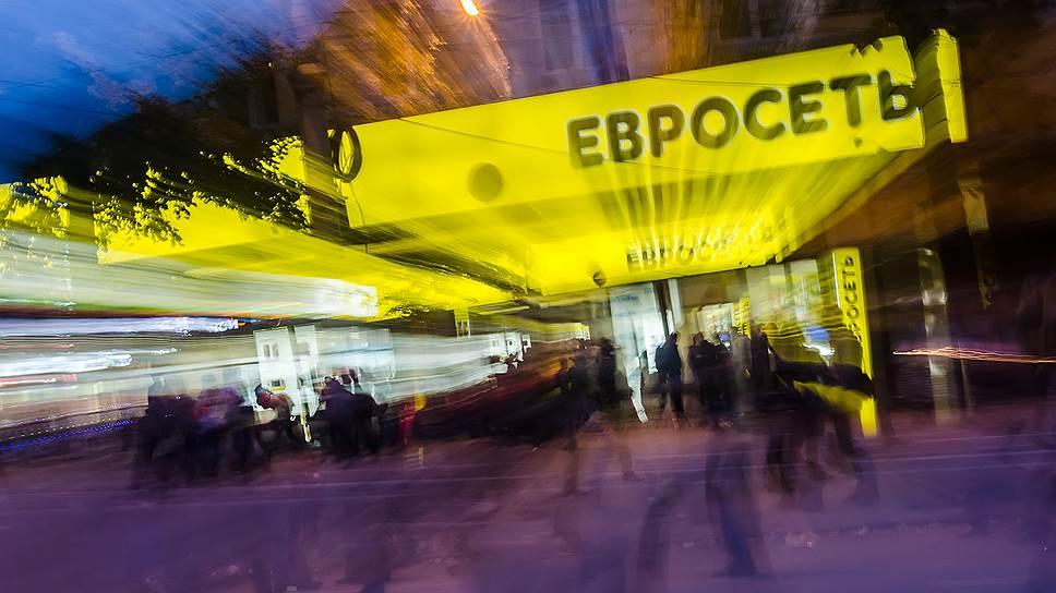 Почему Samsung подал иск к «Евросети» на 1,22 млрд рублей
