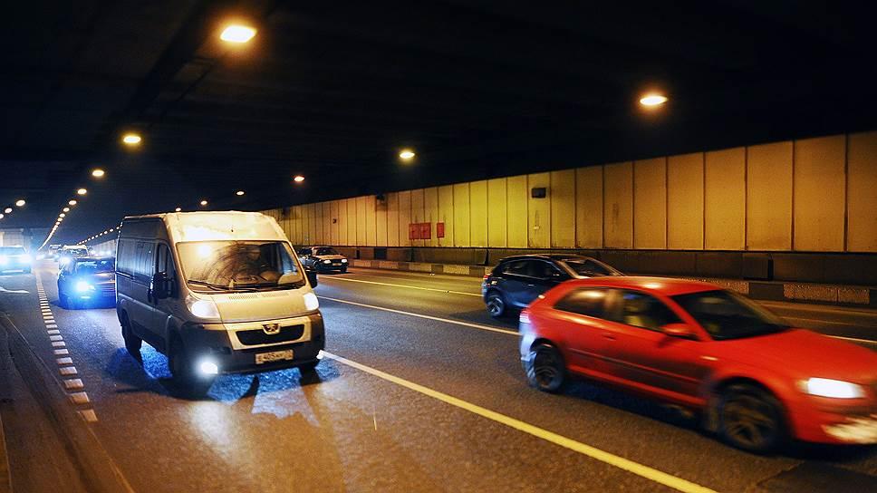 Почему за московскими водителями начали вести скрытый контроль