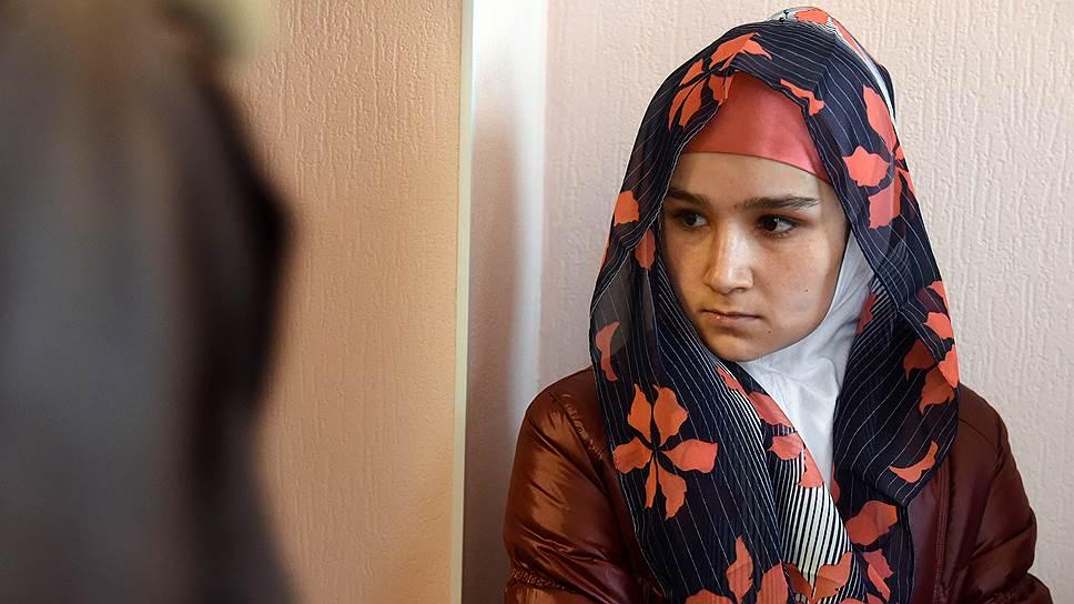 Мать погибшего Умарали Назарова выдворяют из России