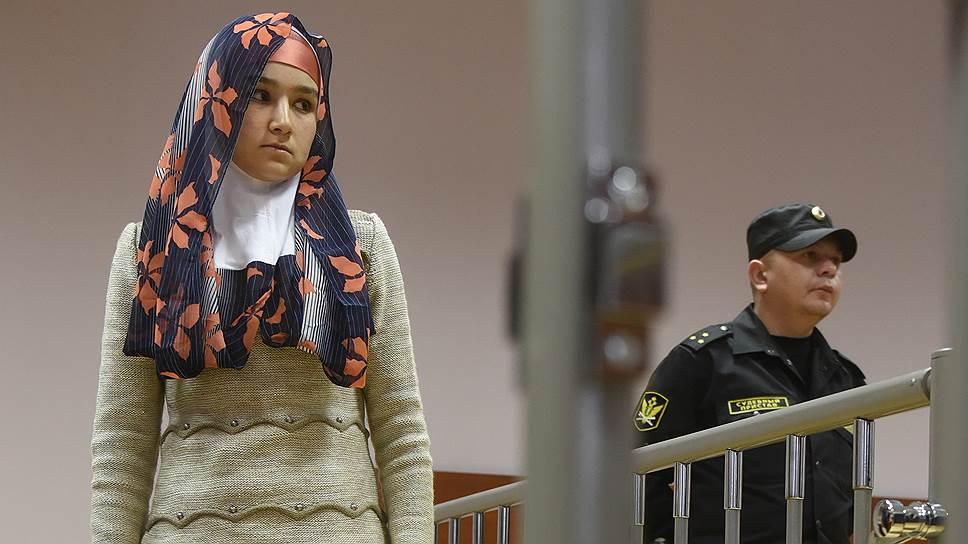 Мать погибшего таджикского мальчика Умарали Назарова Зарина Юнусова