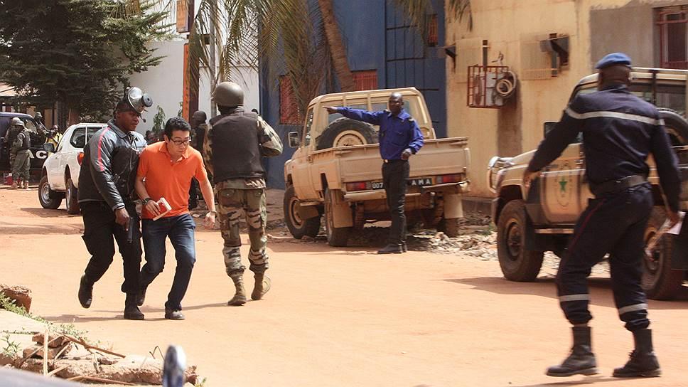 «Теракт в Мали — еще один удар по Франции»