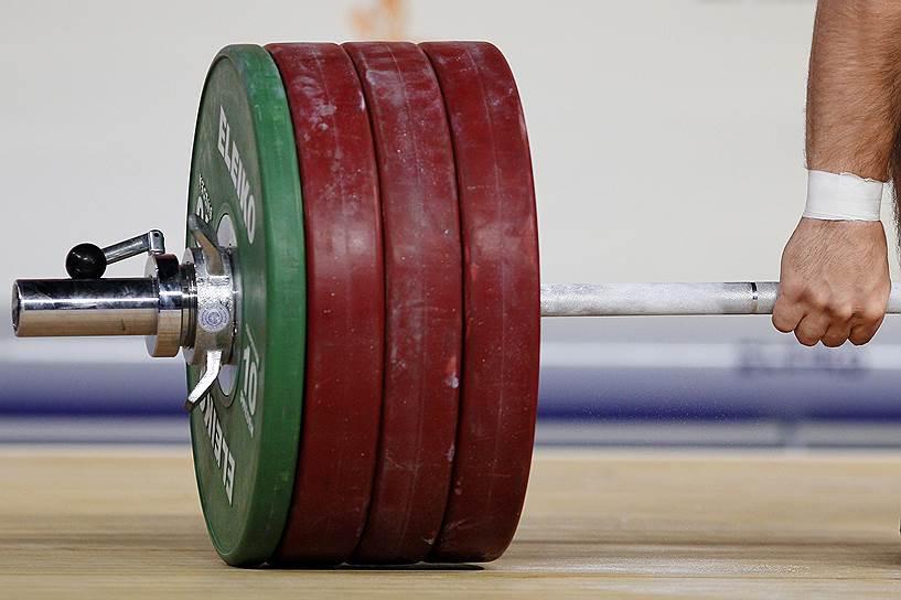 29 июля 2016 года Международная федерация тяжелой атлетики (IWF) дисквалифицировала российскую сборную в полном составе после выявления допинга у четырех российских участников Олимпиады-2012 в Лондоне. Это позволило IWF не пустить на игры в Рио всю российскую сборную по тяжелой атлетике