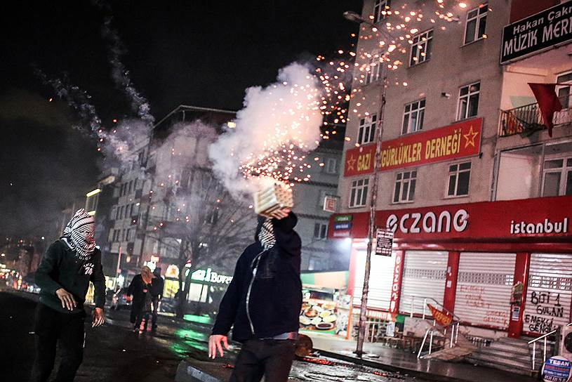 Убийство курдского адвоката и правозащитника Тахира Эльчи, происшедшее вскоре после инцидента со сбитым российским самолетом, еще больше расшатало ситуацию в турецком обществе, вызвав беспорядки в Стамбуле и Анкаре