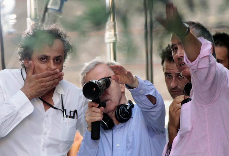 В 2011 году Аллен приступил к съемкам фильма «Римские приключения» (на фото), однако картина получила прохладные отзывы кинокритиков. Уважаемые эксперты Робби Коллин и Тим Роби и вовсе признали его одним из худших фильмов Аллена
