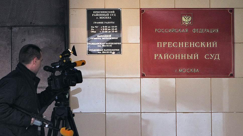 Почему иск к Юрию Чайке вернулся к Алексею Навальному