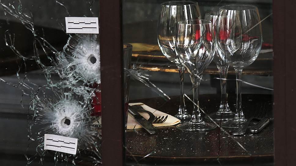 13 ноября. Теракты в Париже, в которых погибли 132 человека