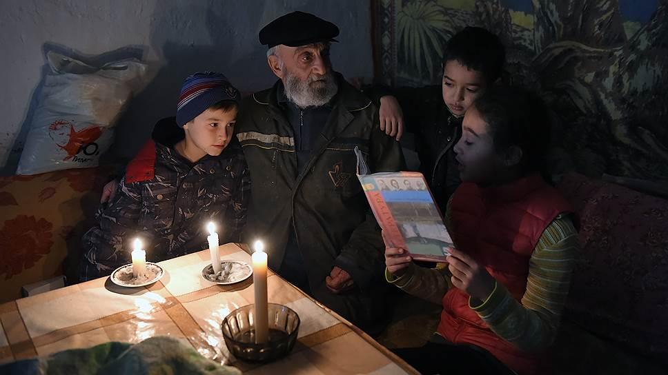 Почему крымские татары в отключении света Украиной увидели геноцид