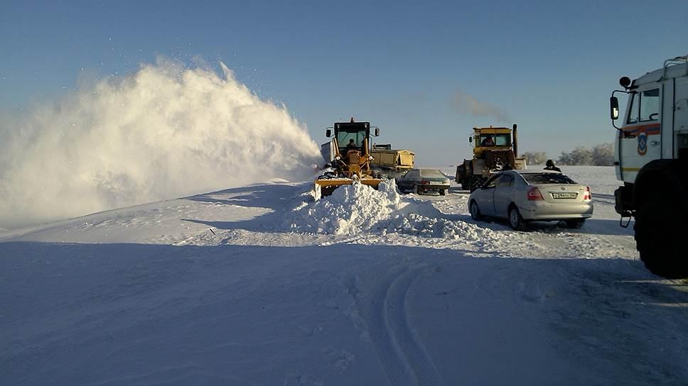 Следственный комитет начал проверку по факту гибели человека в снежном заторе