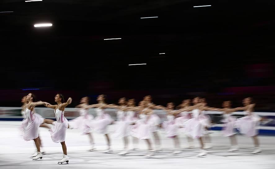8-9-10 места: сборная России по фигурному катанию (5 очков)<br>Первое место в медальном зачете финала Гран-при