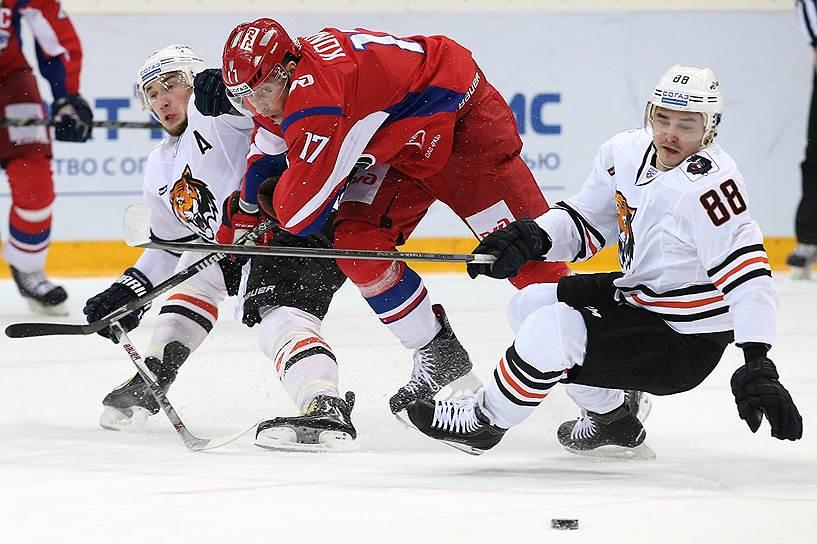 4-5-6-7 места: «Локомотив» (7 очков)<br>Семь побед в регулярном чемпионате КХЛ
