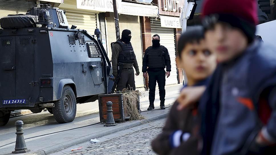 Жертвами теракта на юго-востоке Турции стали шесть человек