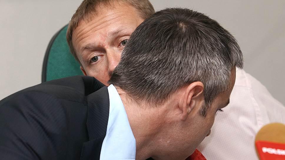 Российские бизнесмены Андрей Луговой (справа) и Дмитрий Ковтун