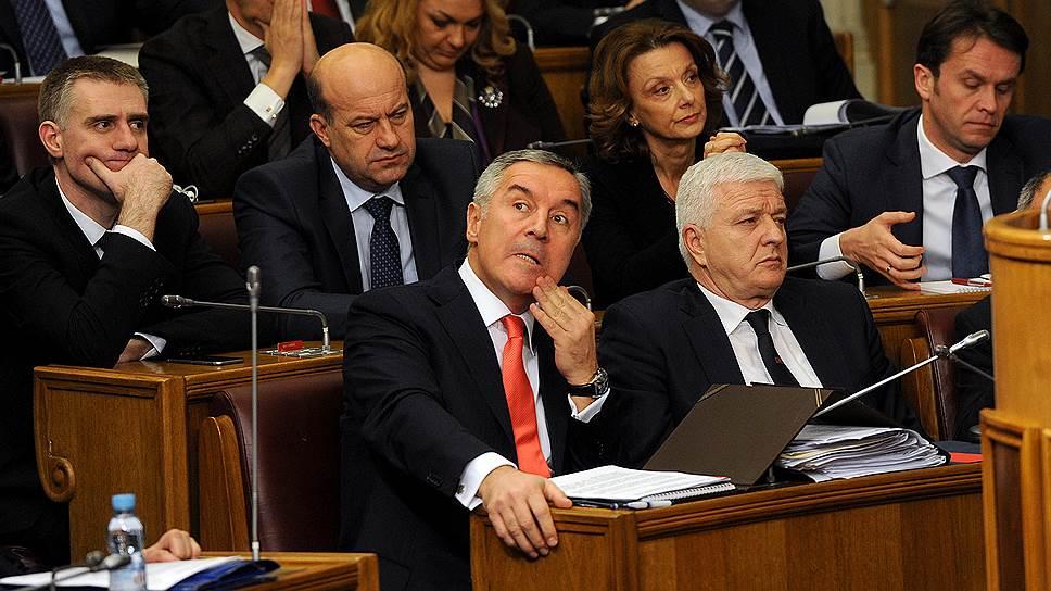Черногория сохранила правительство
