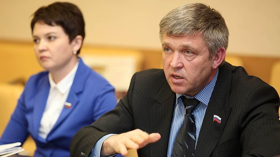 Иркутский единоросс увидел в задержании главы Ольхонского района политику