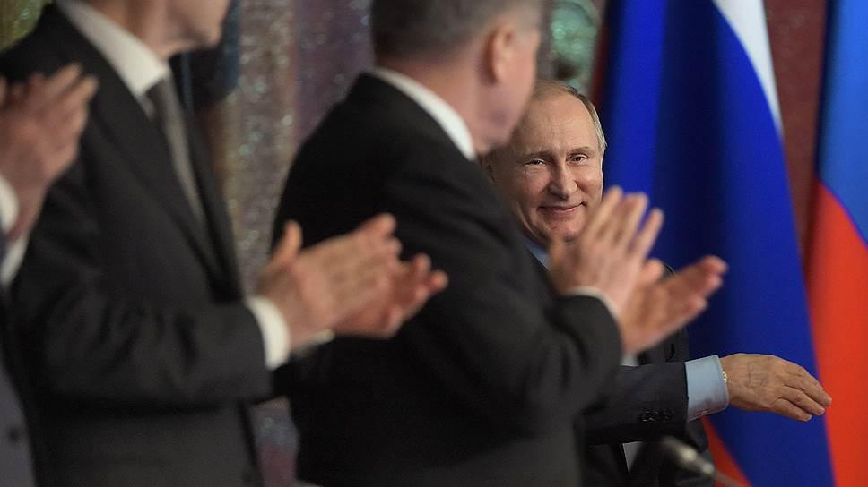 Владимир Путин назвал недопустимым подрыв авторитета суда