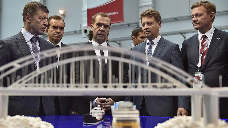 Как началось строительство моста в Крым