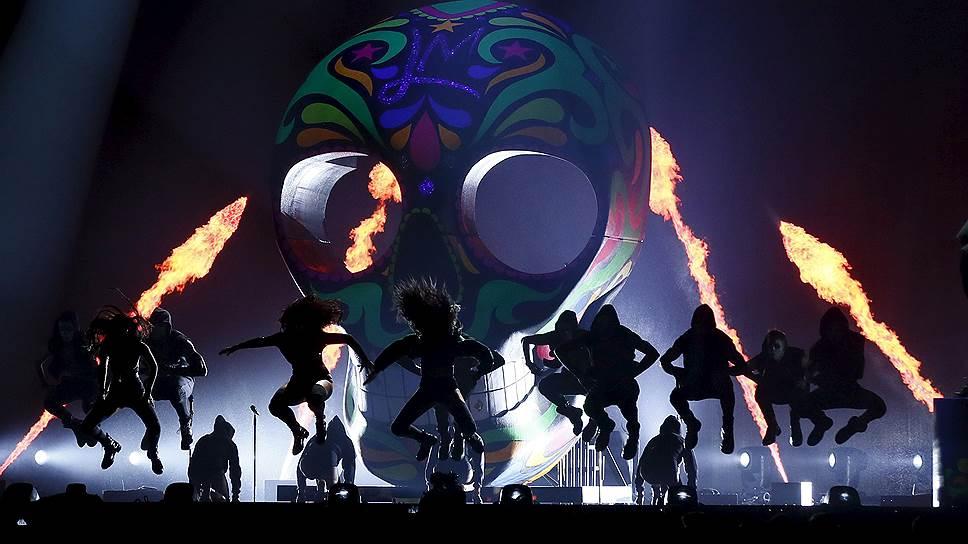 Как вручали Brit Awards в прошлом году