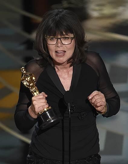 Маргарита Сихель принимает награду за «Лучший монтаж» фильма «Безумный Макс: Дорога ярости»