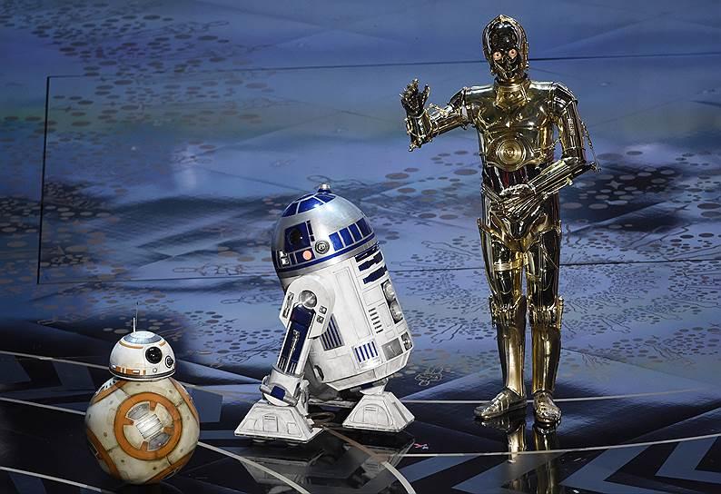 Дроиды из вселенной «Звездных войн» BB-8, R2-D2 и C-3PO