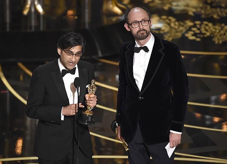 «Лучший документальный полнометражный фильм» — «Эми». Режиссер Азиф Кападиа посвящает эту победу всем фанатам Эми, кто любил ее и в горе, и в радости